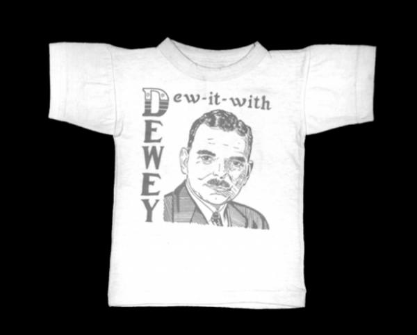 historia-das-camisetas-camiseta-dewey-dew-it-with 3